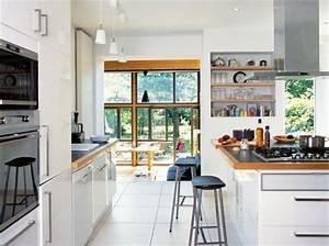 ikea cuisine blanche plan travail granit noir et bordure With cuisine blanche plan de travail bois