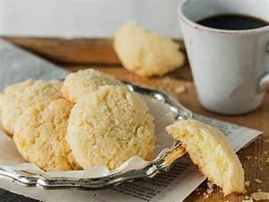 Kokos Kekse Rezept : luftige kokos kekse rezept in 2019 kokoskekse kekse ~ Watch28wear.com Haus und Dekorationen