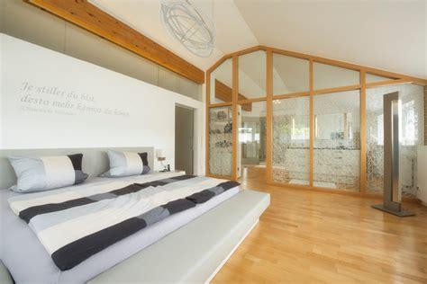 bad im schlafzimmer ideen schlafzimmer modern mit badezimmer ianewinc