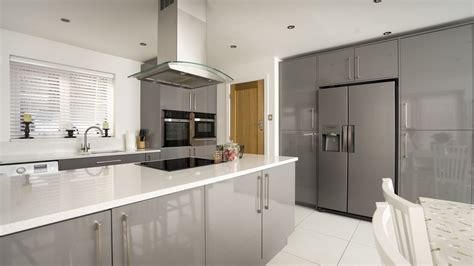 Grey Gloss Kitchen   Cleveland Kitchens Liverpool