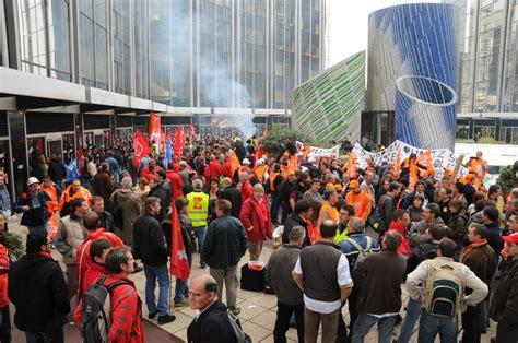 gobain siege social manifestation devant le siège de st gobain defense 92 fr