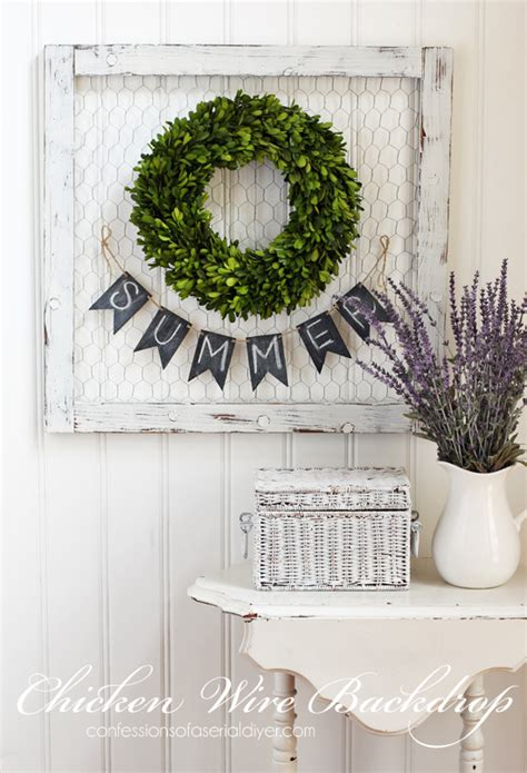 diy wire frame christmas decorations the wreath backdrop confessions of a serial do it yourselfer