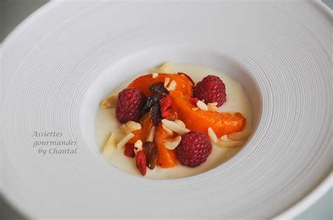 cuisine moleculaire panna cotta au fromage blanc et abricots caramélisés