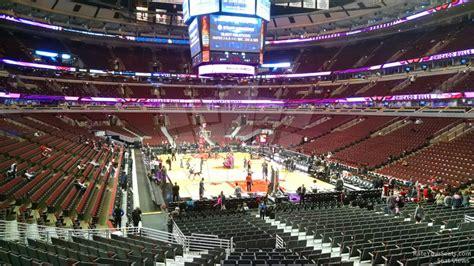 united center section  chicago bulls rateyourseatscom