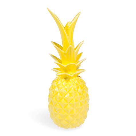 deco chambre mer statuette ananas en porcelaine jaune h 24 cm maisons du
