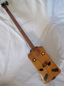 Une Corde De Bois : instrument de musique a une corde dans son etui en bois ~ Melissatoandfro.com Idées de Décoration