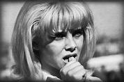 Sue Lyon's Risque Lolita Publicity Photos (1962) - Flashbak