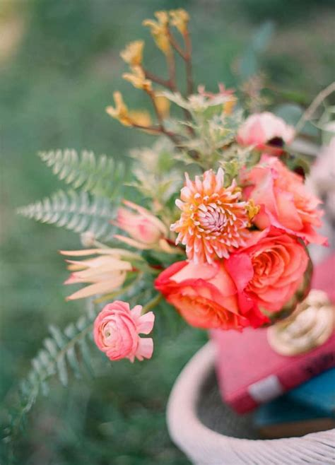 Bloomsbythebox Has Floral Sprays For Dyeing Wholesale Flowers