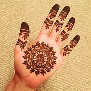 125 New Simple Mehndi/Henna Designs for Hands - Buzzpk ...