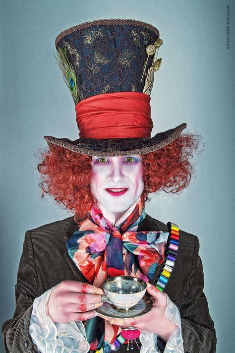im wunderland kostüm hutmacher im wunderland der hutmacher foto bild