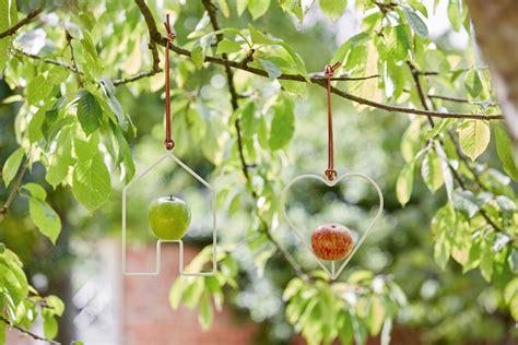 Miete Für Den Herz Apfel Garten Für 3 Futterstation Apfel Für Vögel Herz Jetzt Bestellen