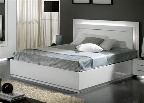 chambres d h es lit city laque blanc chambre à coucher