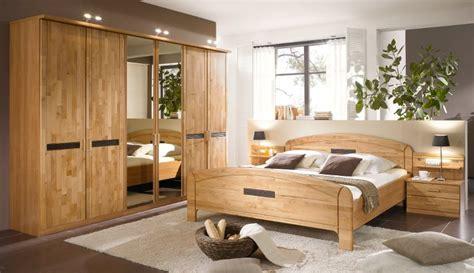 bett schlafzimmer schlafzimmer massivholz homeandgarden
