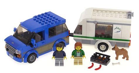 Lego City 2016 Van & Caravan Build & Review! Set 60117
