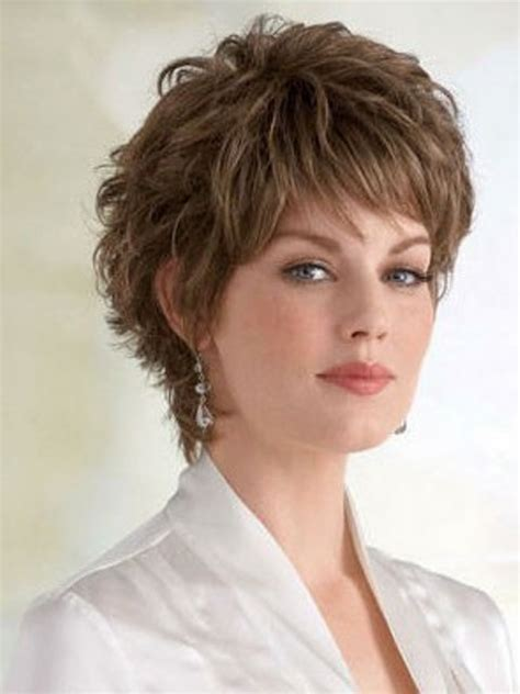 16 cute short hairstyles for curly hair to make fellow