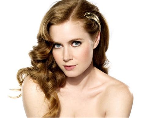 Sexy Actress Picture Of Amy Adams With Her Long Wavy