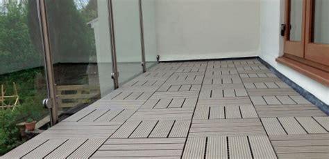 motif lantai teras rumah minimalis