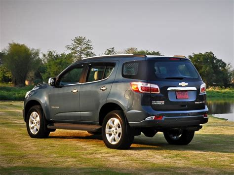 chevrolet trailblazer 2015 comparison chevrolet traverse suv 2015 vs chevrolet