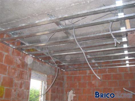 cours de cuisine hainaut plafond de 4 mètres en métal stud
