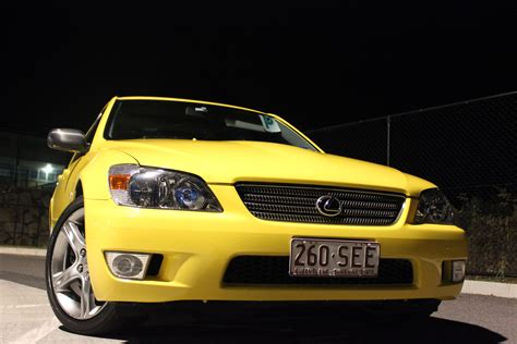 lexus yellow 2000 lexus is200 yellow gxe10r car sales qld brisbane