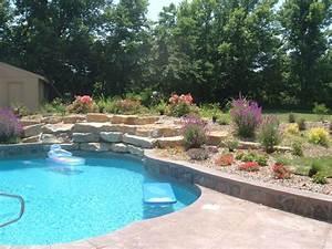 Amenagement jardin paysager autour dune piscine 40 idees for Jardin paysager avec piscine 9 une haie autour de votre piscine 187 piscine