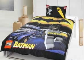 bedroom batman and spiderman inspired bedroom decorating