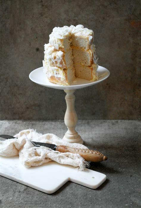 diy wooden cake stand design sponge