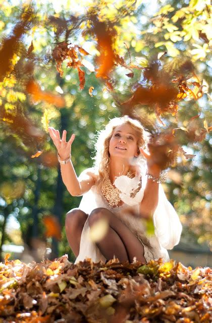 autumn photoshoot ideas gypsy diaries photoshoot autumn leaves are falling