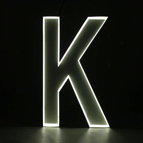 neon style letter  ilute doo