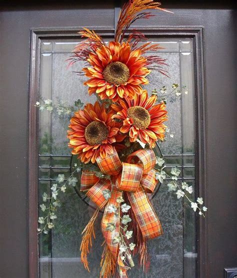fall door wreaths to make best 25 door swag ideas on pinterest cottage christmas xmas decorations and christmas bells