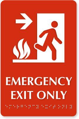 emergency exit  sign   arrow  sku se