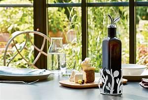 Dunkle Flaschen Für Olivenöl : oliette f r oliven l flaschen alessi flaschenhalter ~ Orissabook.com Haus und Dekorationen