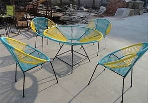 best table de jardin ronde coloree photos awesome With chaise pour table ronde
