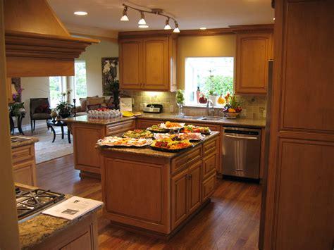 cool kitchen ideas for small kitchens مطبخ خشبي بسيط المرسال