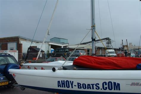 Ahoy Boats by Magnum 21 Trimarans Mast Raised