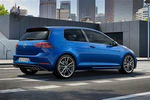 New Ish  Vw Golf R For 2017  Fast Golf Gets A Facelift By