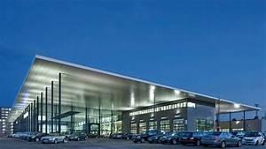 Bmw Niederlassung Nürnberg : flugdach architektur f r den stern ~ Frokenaadalensverden.com Haus und Dekorationen