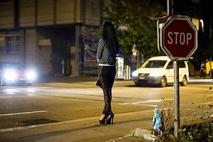 Cabinet doesn't want to ban prostitution - SWI swissinfo.ch