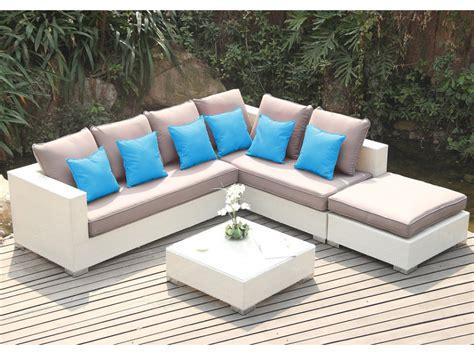 salon de jardin canapé salon de jardin azurea en résine tressée blanche canapé