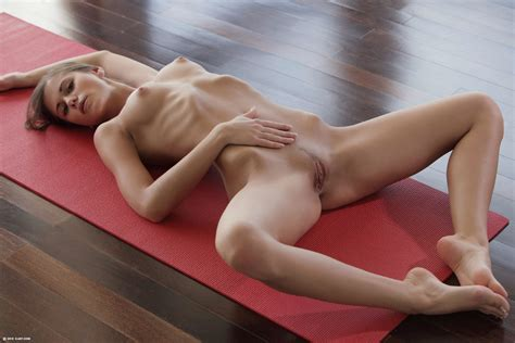 Hot Girl Doing Yoga Teen Porn