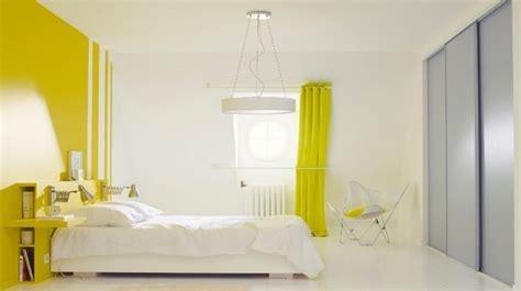 chambre peinture 2 couleurs peinture chambre 2 couleurs couleurs primaires 2 chaudes