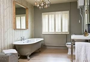 Kronleuchter Für Badezimmer : ausgefallene designideen f r ein landhaus badezimmer ~ Markanthonyermac.com Haus und Dekorationen