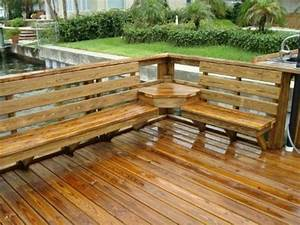 Seat Muret : deck with built in seating and table just have to make sure its built in deck seating fixs project ~ Gottalentnigeria.com Avis de Voitures