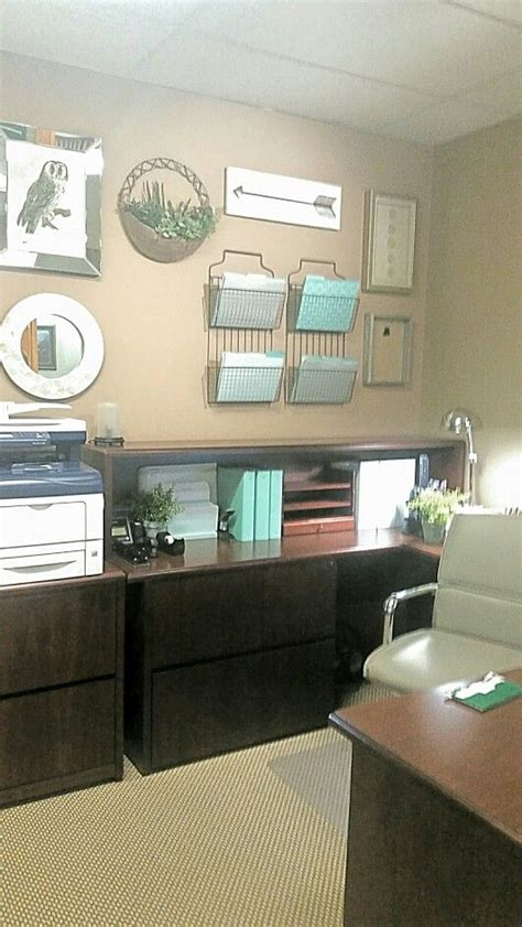 Decorating Ideas For Professional Office by Best Office Decorations Ideas On