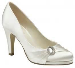 ivory bridesmaid shoes paradox pink strawberry ivory wedding shoes