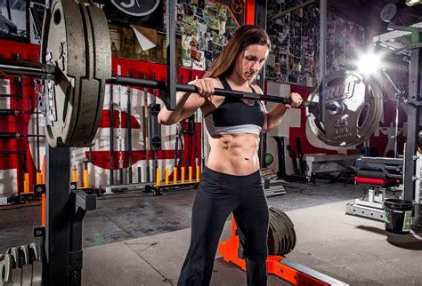 women pregnancy  weight training