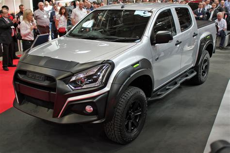 The model range is available in the following body types starting from the engine/transmission specs shown below. Wild new Isuzu D-Max XTR storms into the 2019 CV Show ...