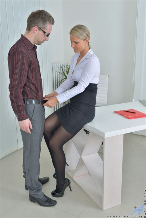Samantha Jolie in black stockings gets banged in the office - My Pornstar Book