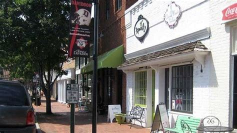 Summit coffee is a coffee and lifestyle brand based in north carolina. In Davidson, you'll find local shops and restaurants within a short walk of campus, including ...