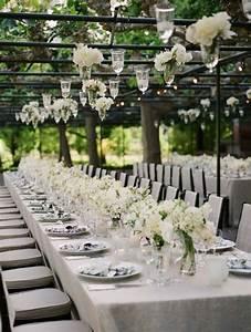 deco table mariage 45 compositions florales pour l39ete With chambre bébé design avec composition de fleurs blanches
